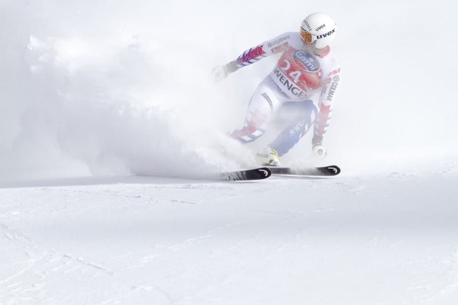 Downhill skier in frosty mist